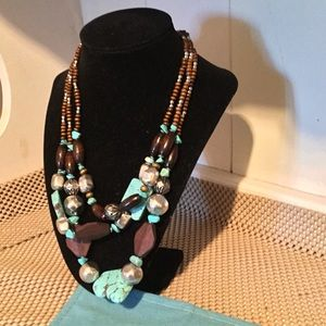 ♥️Turquoise and brown 3 layer necklace.
